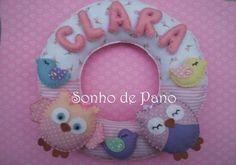 Guirlanda em feltro e tecido toda confeccionada artesanalmente personalizada com o nome do bebê Cores e demais modelos à escolha do cliente R$ 60,00