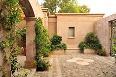 Tuscan style – Mediterranean Home Decor House Exterior, Outdoor Decor, Spanish Style Homes, Colorful Patio, Tuscan Style, House Colors, Porch And Terrace, Exterior, Patio Interior