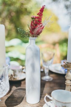 The clean, vintage style of these white glass bottles will add that extra bit of classic beauty to your tablescapes. Ideal to use with fresh flowers,. Vintage Wedding Theme, Wedding Themes, Wedding Colors, Wedding Theme Inspiration, Classic Beauty, Fresh Flowers, Wedding Season, Glass Bottles, Tablescapes