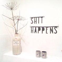 #Wordbanner #tip: #Shit #happens - Buy it at www.vanmariel.nl - € 11,95 - Foto @Lausje040