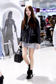 180227 Taiwan Airport Arrival High Class Fashion, Daily Fashion, Fashion Idol, Korean Girl Fashion, Asian Fashion, Extended Play, Seoul, Airport Fashion Kpop, Kpop Fashion