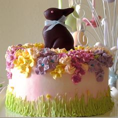 Easter Cake 3 by bittle Easter Cake Icing Ideas, Easter Cookies, Easter Treats, Easter Celebration, Celebration Cakes, Holiday Cakes, Holiday Fun, Easter Garden, Spring Cake