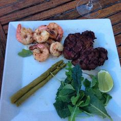 My delicious Filet mignon and shrimps #Delicious #homemade #shrimps #camarones #filetmignon #cena #sparragus #delicia #salad #bbq #beautiful  #dinner #sunset #vino #friends #wine #amigos #enjoinglife #disfrutalavida #music #radio #musica #radiousa #goodfood #comidadeliciosa#Instagram #Instaphoto