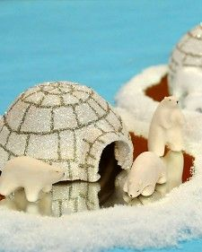 """Your kids can create their own arctic tundra, complete with cute creatures, using child-friendly paper clay. Clair from """"The Martha Stewart Show"""" shares the how-to. School Projects, Craft Projects, Craft Ideas, Igloo Craft, Handmade Crafts, Diy Crafts, Bear Crafts, Martha Stewart Crafts, Paperclay"""