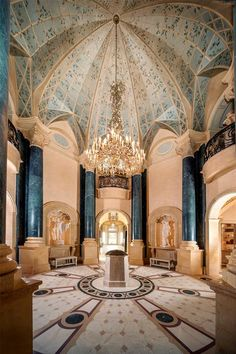 Neoclassical Chateau Style Estate In Texas Luxury Mansions For Sale, Luxury Homes, Mega Mansions, Luxurious Homes, Informal Dining Rooms, Palace Of Versailles, Texas, Neoclassical, Luxury Real Estate