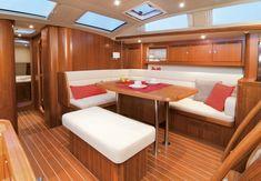Essbereich auf der Sunbeam 53.2. #yachtlife