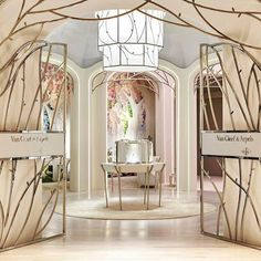 Jewerly Shop Interior Concept Stores Spaces Ideas For 2019 Interior Desing, Interior Concept, Commercial Design, Commercial Interiors, Luxury Home Decor, Luxury Homes, Vitrine Design, Jewelry Store Design, Jewelry Shop