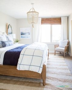 Guest Room Ideas & Cozy Tips / How to create a cozy guest bedroom for the holidays! Guest Room Ideas & Cozy Tips / How to create a cozy guest bedroom for the holidays! Small Guest Rooms, Guest Bedrooms, Master Bedroom, Master Suite, Guest Room Decor, Bedroom Decor, Bedroom Ideas, Bedroom Designs, Bedroom Interiors