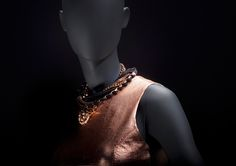 LOFT stands for youth, independence and freedom #FemaleMannequins #deepblack #metalaccesories