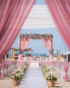 Indian Beach Wedding, Indian Wedding Venue, Indian Destination Wedding, Outdoor Indian Wedding, Desi Wedding Decor, Wedding Mandap, Beautiful Wedding Venues, Reception Stage Decor, Outdoor Wedding Decorations
