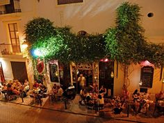 La Bodega --- Eivissa --- The best tapas in town! Ibiza Restaurant, Ibiza 2016, Best Tapas, Ibiza Formentera, Tapas Bar, Ibiza Fashion, Sounds Good, Holiday Destinations, Christmas Tree