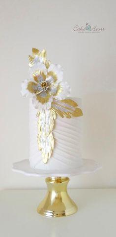 Stylized flower by Cake Heart