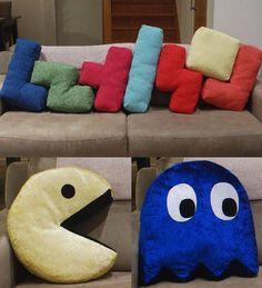 Decoração Geek: Ideias para fazer na sua casa Geek Home Decor, Origami Design, Sala Nerd, Geek Crafts, Diy And Crafts, Man Pillow, Nerd Room, Sewing Projects, Diy Projects