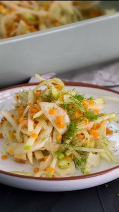 Fenchelsalat mit roten Linsen That fennel and lentils harmonize perfectly, proves this delicious dish: fennel salad with red lentils Healthy Salad Recipes, Vegan Recipes, Lentil Recipes, Salmon Recipes, Chicken Recipes, Clean Eating, Healthy Eating, Fennel Salad, Sprout Recipes