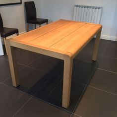 Habitat Radius Oak Small Dining Table - Excellent Condition in Home, Furniture & DIY, Furniture, Tables | eBay