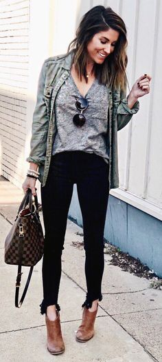 c7545aa0a02d 58 Best Urban chic images   Flare leg jeans, Casual outfits, Fall ...