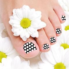 """Nail Wraps """"Black & White""""for Toes - Made by Glamstripes"""