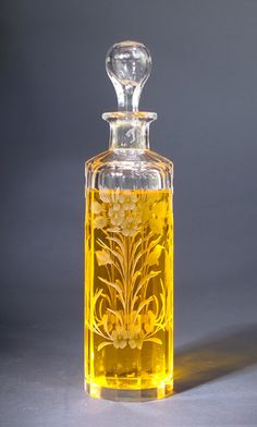 Victorian decorative and deeply engraved clear crystal perfume bottle, circa 1900's