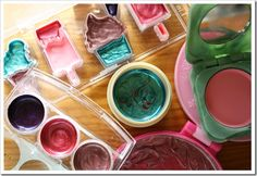 Even better instructions on making your own mess-free play make-up.  Good project for Tater for TInk's bday