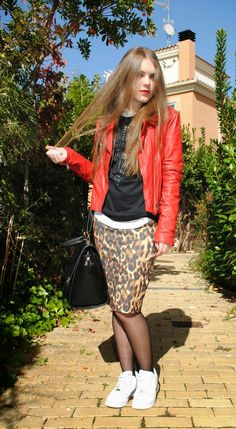 Sporty Chic, Primark, Pantyhose Outfits, Nylons, Nike Air Force, Jeannette Mccurdy, Cleaning Maid, Zara, Tube Socks