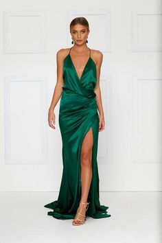 Guinevere Luxe Satin Gown - Emerald (Preorder) – Alamour The Label