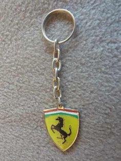 Llavero De Metal De Ferrari - $ 75,00