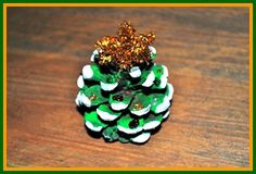 A Christmas tree for your pocket, have Christmas with you everywhere. Santa can't miss you this way!  www.easy-crafts-for-kids.com/easy-christmas-crafts-for-kids.html