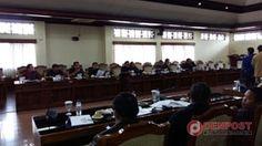 Rapat Paripurna Internal DPRD Bali - http://denpost.imediamu.com/2015/04/28/rapat-paripurna-internal-dprd-bali/