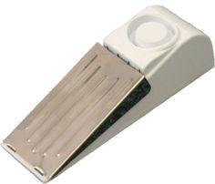 Deurstop alarm 2 stuks  Description: Deze deurstopper zorgt ervoor dat u veilig en gerust kunt slapen ? thuis- maar ook op vakantie. Zodra de deur wordt geopend wordt het alarm van maar liefst 85 decibel geactiveerd. Zonder montage: u zet de deurstopper achter de deur en schakelt het alarmknopje in. Set van 2 stuks. Werkt op batterijen (inbegrepen). Afmetingen: 45 bij 145 cm.  Price: 19.99  Meer informatie