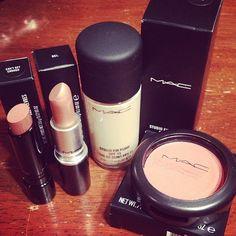 MAC makeup<3