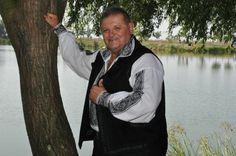 Petrica Moise-Brau in memoria lui Ion Munteanu Moise, Bomber Jacket, Athletic, Athlete, Deporte, Bomber Jackets