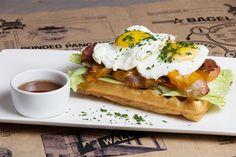 Открытия недели: Современная столовая Buro Canteen, дайнер JP Burger и парикмахерская Noir — Еда — Афиша-Город