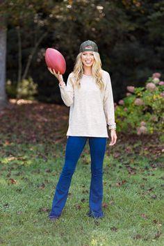 #southernshirt #fallfashion #winterfashion #womensfashion #comfy #sweater #outfit #gameday #enjoythegoodlife