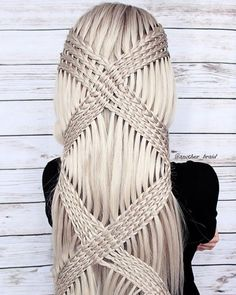 Braids make hair grow. So we think it's thanks to the braids! Long Braided Hairstyles, Cool Hairstyles, Beautiful Hairstyles, Creative Hairstyles, Teenage Hairstyles For School, Teenager Hairstyles, Curly Hair Styles, Natural Hair Styles, Types Of Braids