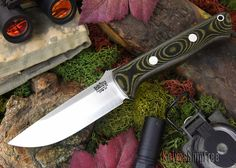 Bark River Knives: Bravo 1 LT - CPM 3V - Black & Green Linen Micarta