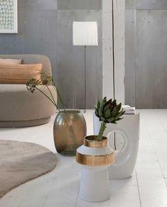 Woontrend 2021: zo haal je de Japandi-trend in huis | vtwonen Living Room Accessories, Living Styles, Trends, Home And Living, Planter Pots, Colours, Interior Design, Plants, Inspiration