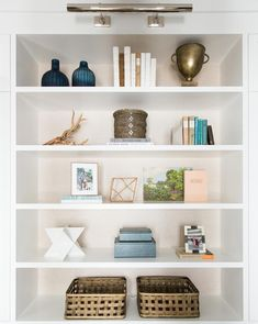 Easy And Cheap Tips: Living Room Remodel Ideas Basement Stairs living room remodel ideas wood planks.Living Room Remodel With Fireplace Decor. Living Room Shelves, My Living Room, Living Room Interior, Living Room Decor, Dining Room, Kitchen Living, Small Living, Style At Home, Bookcase Styling
