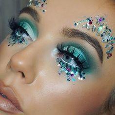 Einfache Make-up-Ideen; Festival Make-up; Prom Make-up sie . - Einfache Make-up-Ideen; Festival Make-up; Prom Make-up sie … – Fe … # - Prom Makeup Looks, Halloween Makeup Looks, Creative Makeup Looks, Simple Makeup, Natural Makeup, Glitter Face Festival, Festival Eye Makeup, Make Carnaval, Dance Makeup