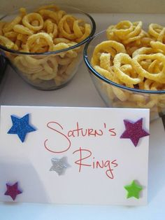 The outer space themed food menu; Saturn's rings as funions The outer space themed food menu; Saturn's rings as funions Astronaut Party, Alien Party, Outer Space Party, Outer Space Theme, Space Baby Shower, Party Favors, Space Food, Moon Party, Festa Party