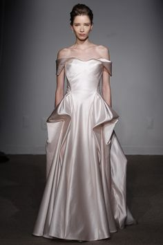#Micie.#ANNA MAIER#weddingdress#weddinggown#シルクサテン#オフショルダー#ミーチェ#アンナマイヤー#ウエディングドレス#クラシカル#newcollection#新作#N.Y