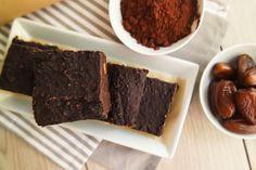 Lust auf etwas Schokoladiges? Dann probiere diese gesunden Kürbis-Brownies. Die veganen Brownies mit Kürbis sind glutenfrei, fettarm und super lecker!