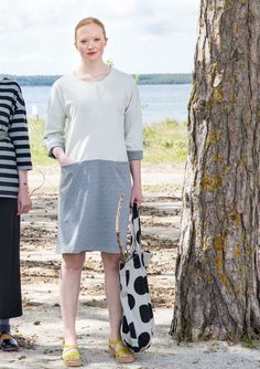 Dress in recycled cotton Lovely knit dress in monochrome color blocks.  Three-quarter length 731fa1af21c00