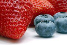 Los Arándanos y las Frutillas Reducirían el Riesgo de Parkinson