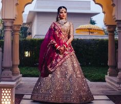 Indian Wedding Bride, Indian Weddings, Bridal Lehenga Collection, Bridal Looks, Sari, Modern, Tops, Fashion, Saree