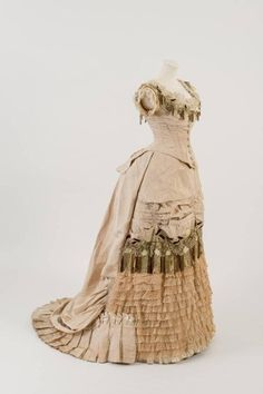 Evening dress, 1876 From the Fashion Museum, Bath on Twitter