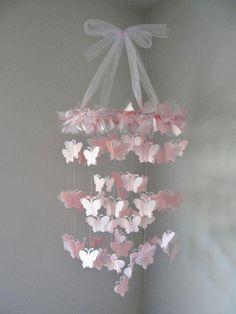 折り紙やリボンで簡単DIY!憧れのバタフライシャンデリアを手作りしよ♪