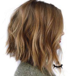 80 Sensational Medium Length Haircuts for Thick Hair - - Honey Blonde Chopped Angled Bob Messy Bob Hairstyles, Medium Bob Hairstyles, Wedding Hairstyles, Casual Hairstyles, Neck Length Hairstyles, Gorgeous Hairstyles, Hairstyles Haircuts, Curly Hair Styles, Medium Hair Styles