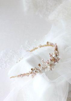 Eine Gold-und rosa Süßwasserperle Hochzeit Stirnband für Eugene von alicia - MyFur die Ehe