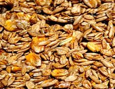Cutting Horse Feeds with Cereal Grains and Protein Supplements