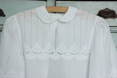 Ich freue mich, den jüngsten Neuzugang in meinem #etsy-Shop vorzustellen: Antique blouse, vintage white blouse,white cotton blouse, embroidered cotton blouse, whitework ,broderie anglaise, Edwardian blouse White Cotton Blouse, Cotton Blouses, Ruffle Blouse, Blouse Vintage, Embroidered Blouse, Etsy Shop, How To Wear, Women, Fashion